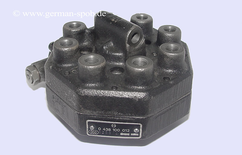 0438100012 0 438 100 012 fuel distributor bosch mercedes for Fuel distributor for mercedes benz